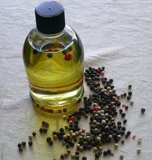 Black Pepper Essential Oil from India